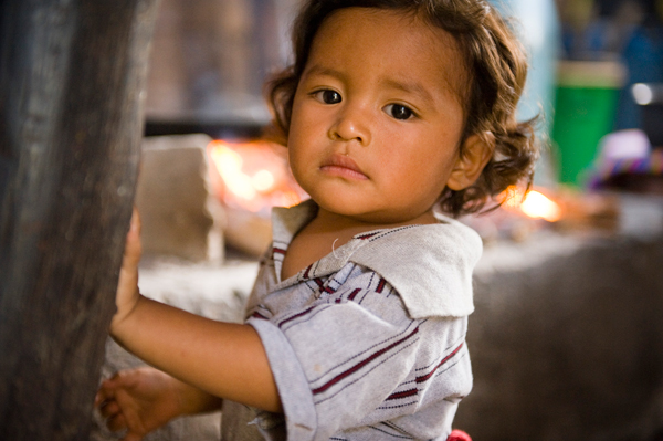 Sad child in Peru - Sponsored children receive a mother and a home