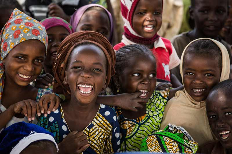 Girls smiling - Diffa, Niger