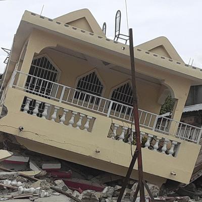 haiti_les-cayes_2021-earthquake_damaged-home